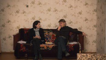 В нем пропадают такие девчонки: Никита Ефремов и Юлия Снигирь ищут убийцу в маленьком городке