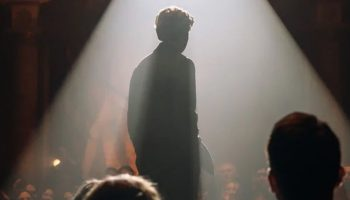 Александр Петров предстал в образе Есенина в тизер-трейлере фильма Клима Шипенко «Декабрь»