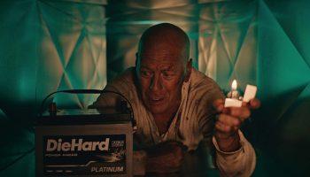 Брюс Уиллис трижды спасёт дом престарелых — новости кино — 5 мая 2021
