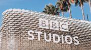 Зрители Okko получат доступ к комедийному и детскому контенту из каталога BBC Studios